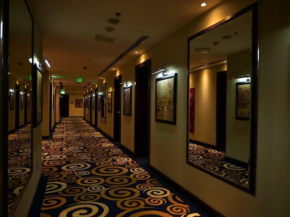 Strato Hotel by Warwick Corridor