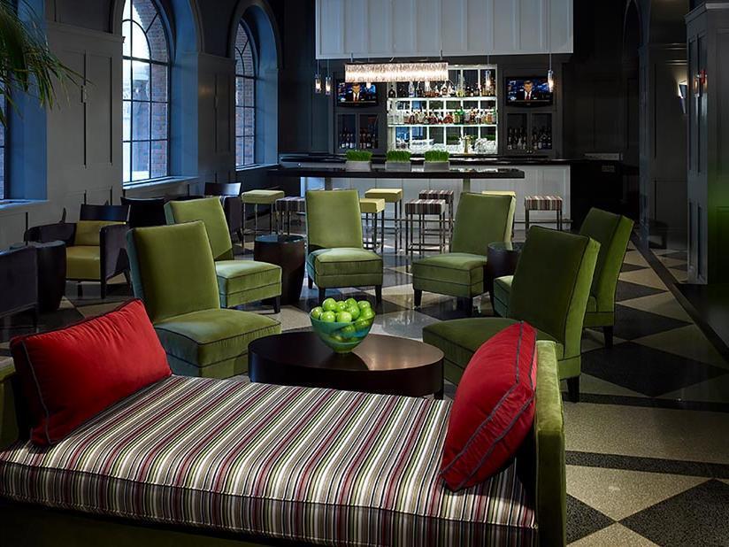 M Avenue Lounge