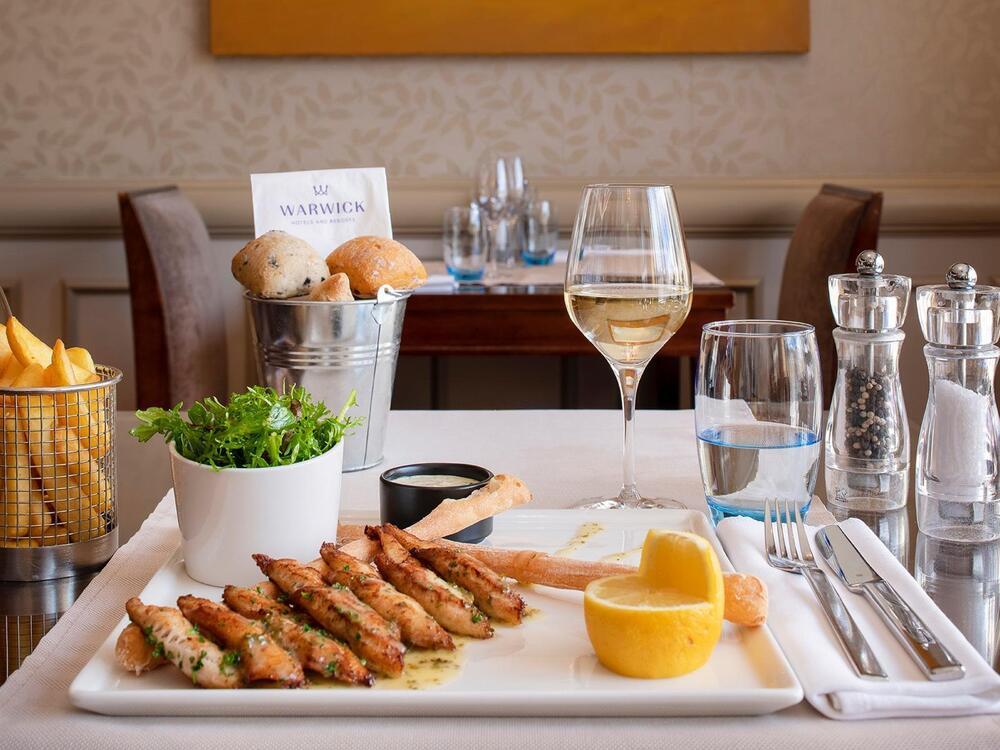 Téséo Restaurant Chef Special Lake's perch fillets