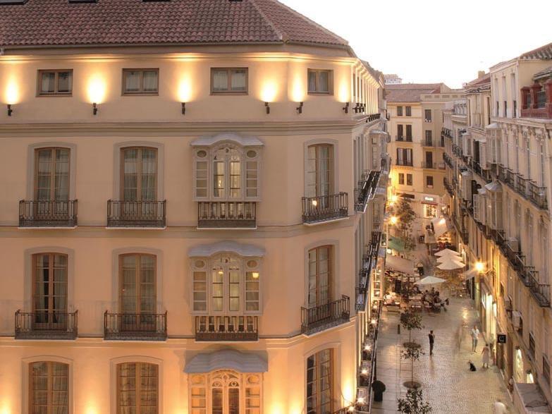 Facade at Hotel Molina Lario