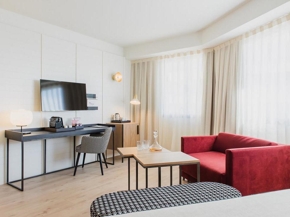 Hotel Molina Lario Deluxe Room