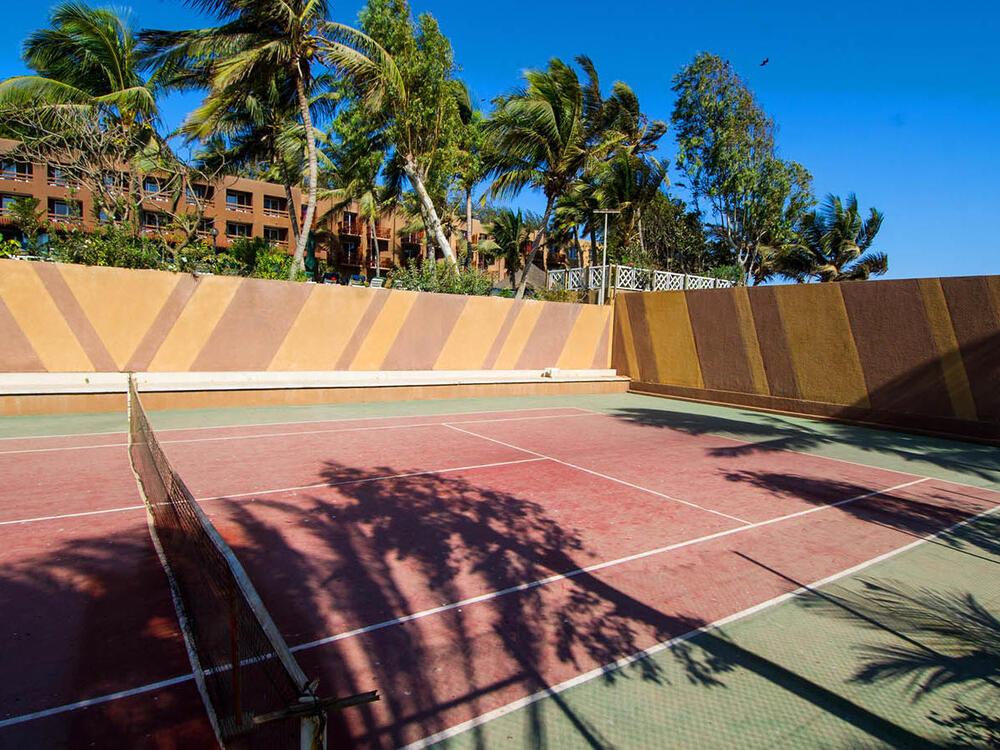Hôtel-Jardin Savana Dakar Tennis court