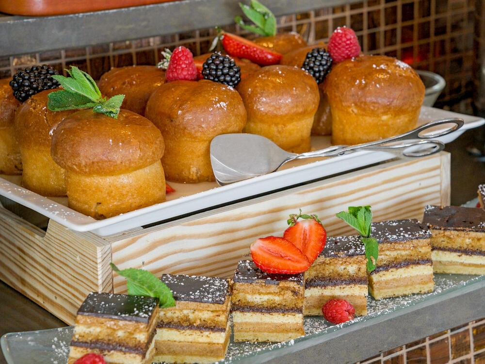 Brunch Téséo Restaurant cakes