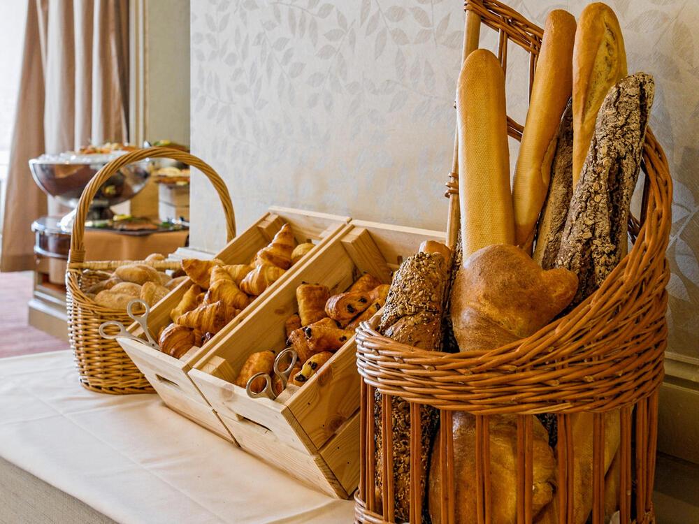 Brunch Téséo Restaurant Fresh bread & Viennoiserie