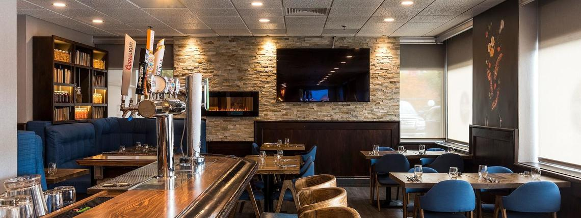 restaurant dining room with bar