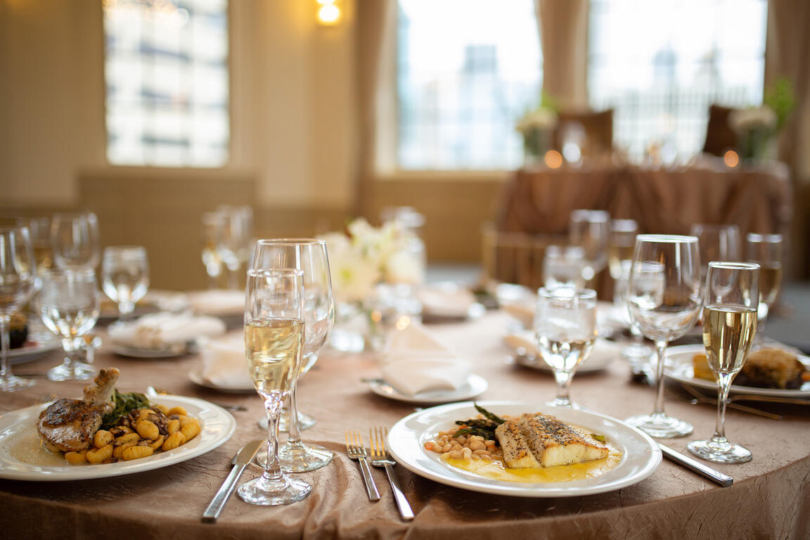 Warwick Allerton Wedding table set