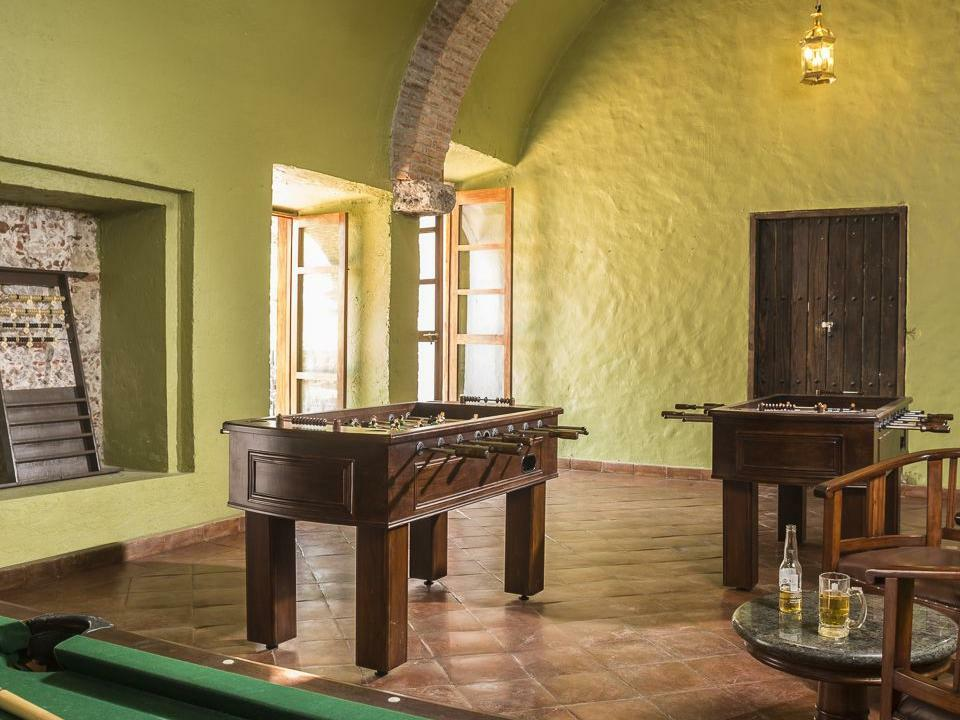 Gavilanes Bar