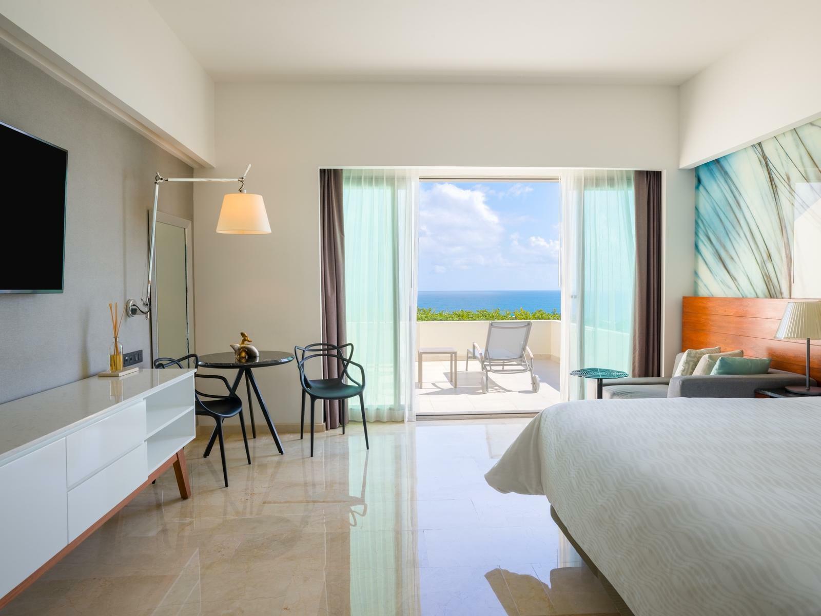 Premium Ocean Front King Room