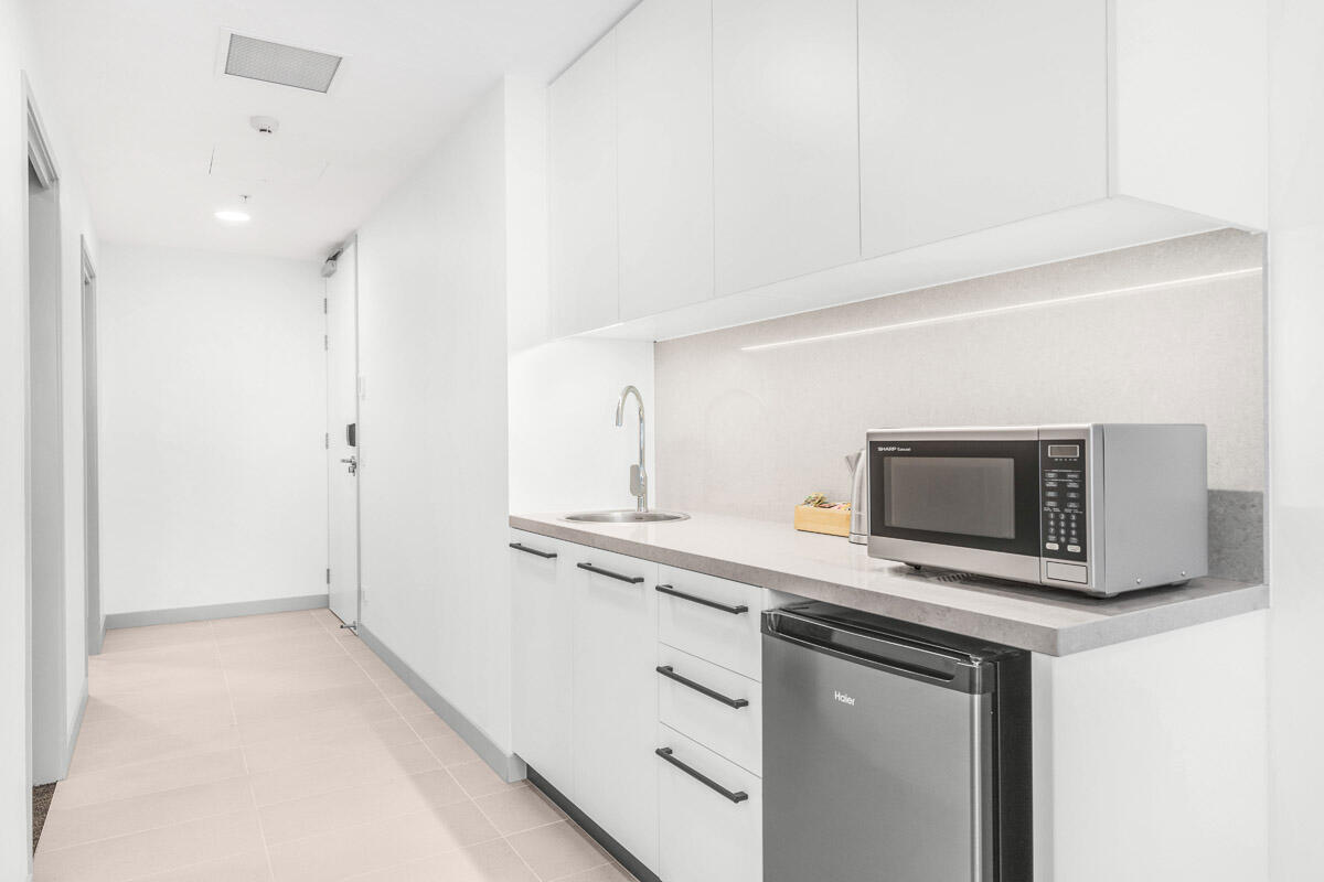 Kitchenette | Essence Apartments & Suites