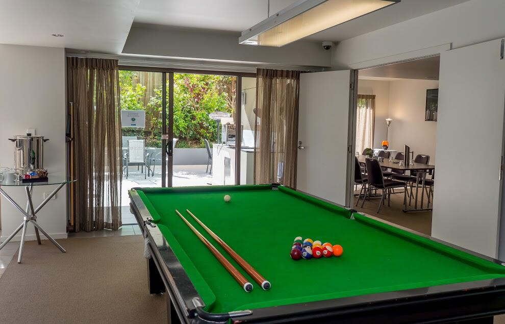 Make yourself at home - Pool Table - Essence Apartments Chermsid