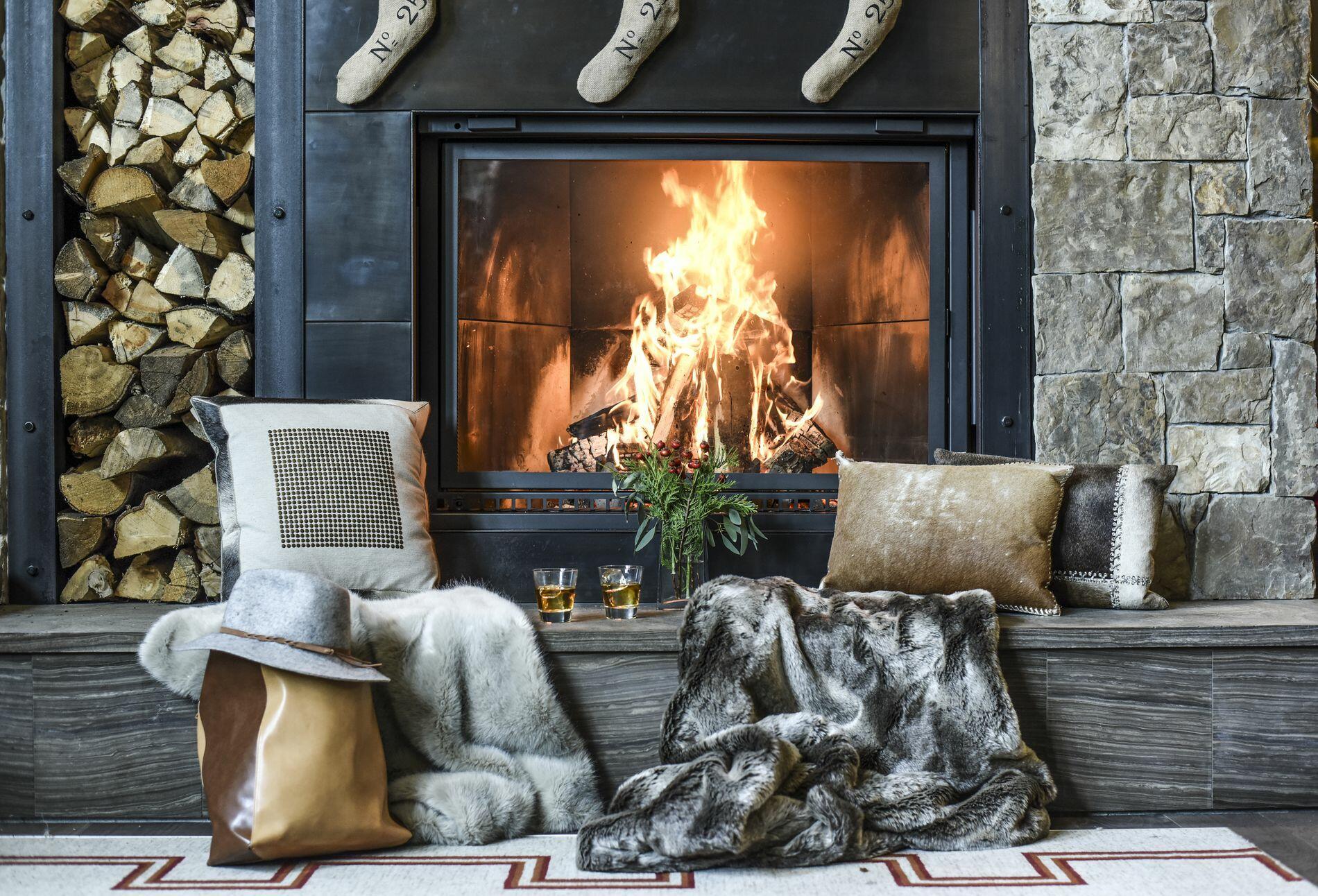 Hotel Jackson - Fireplace