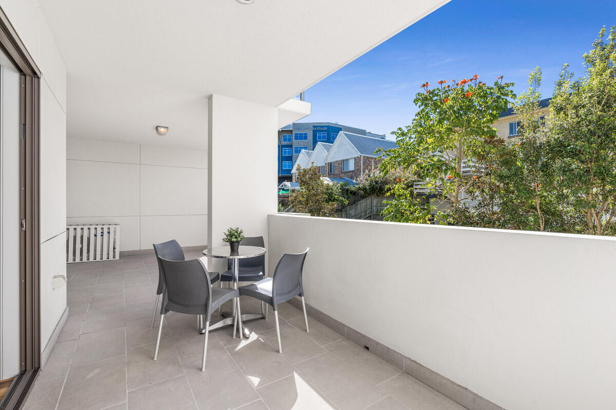 One Bedroom Suite - Balcony - Essence Apartments Chermside