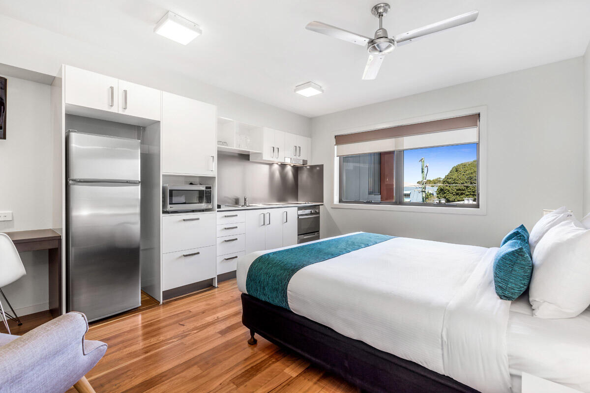 Studio Balcony   Serviced Apartments Brisbane   Essence Apartmen