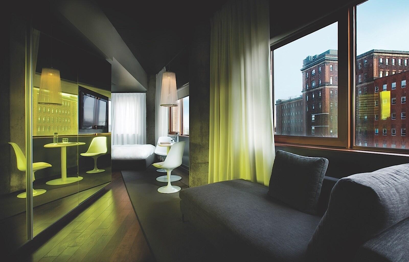 Hotel ZERO1 Suite Seating Area