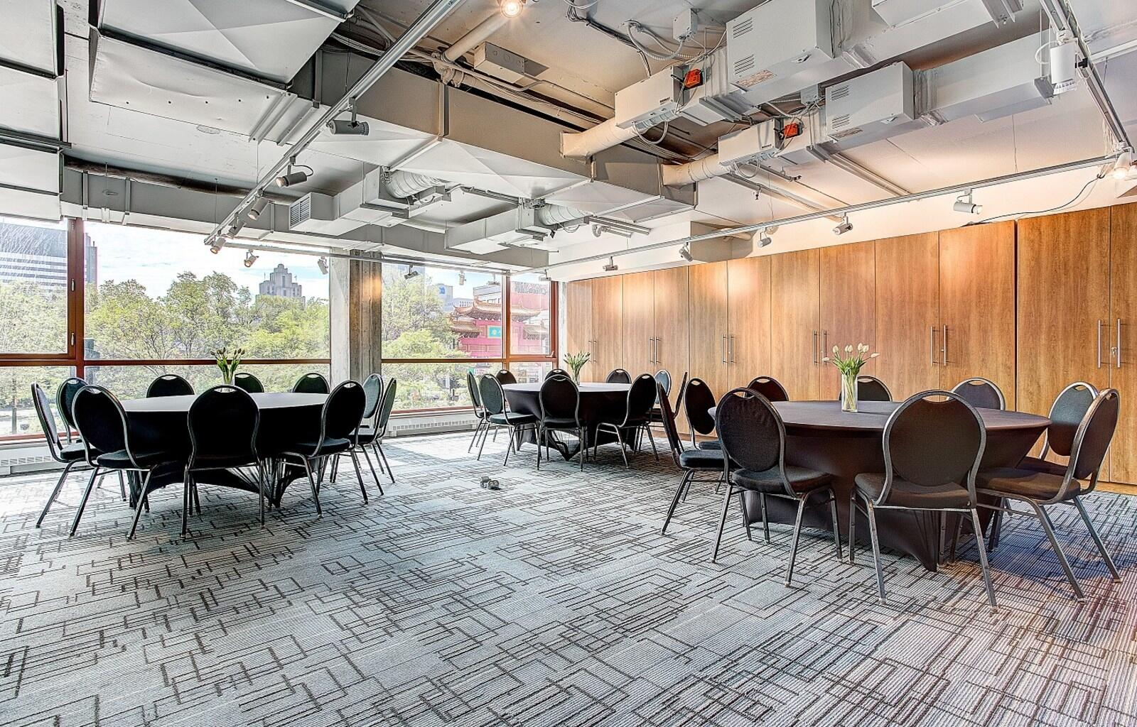 Z Confidential Large Meeting Room