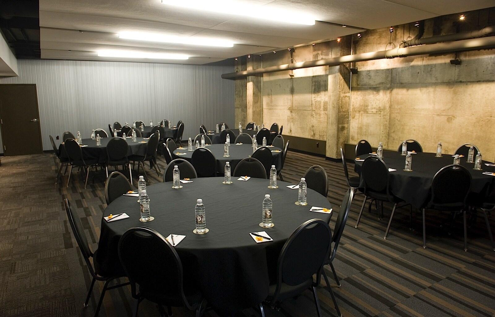 Hotel ZERO1 Corporate Meeting Room