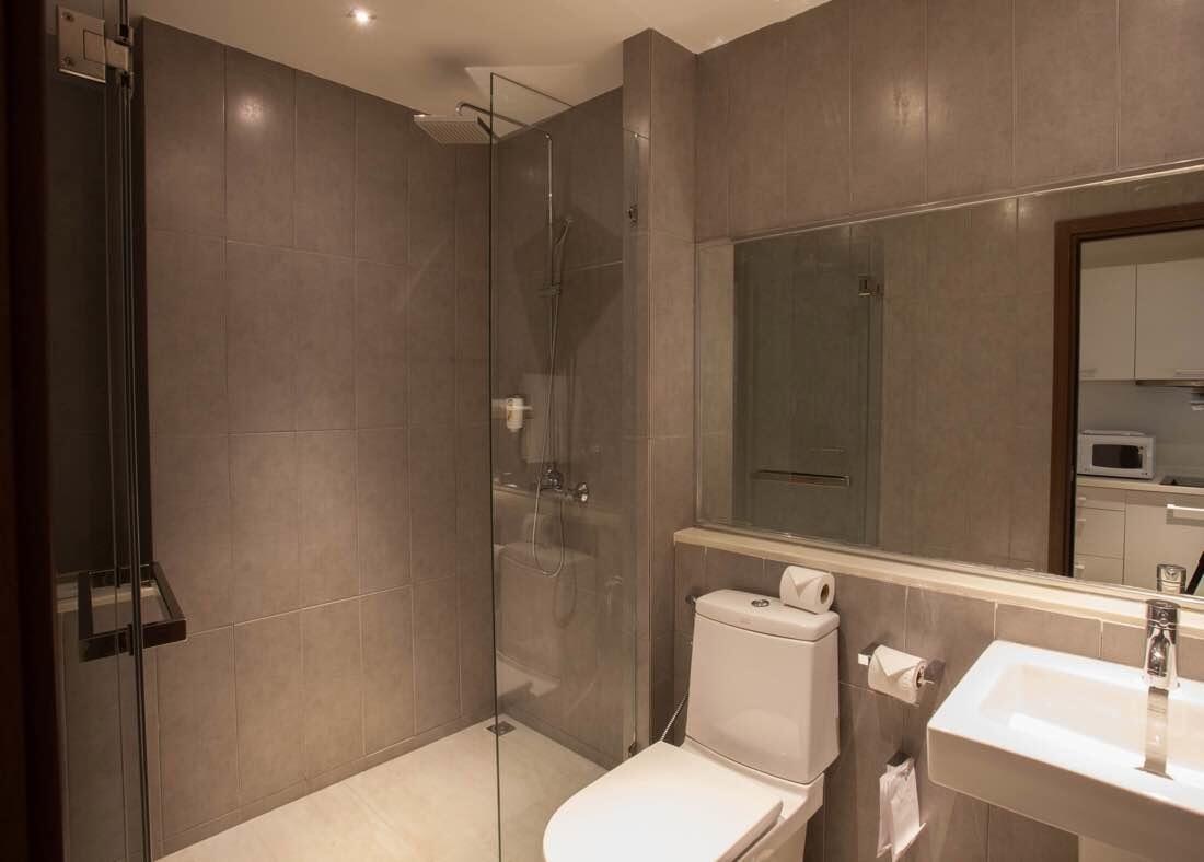 one bedroom deluxe - bathroom - X2 Vibe Phuket Patong