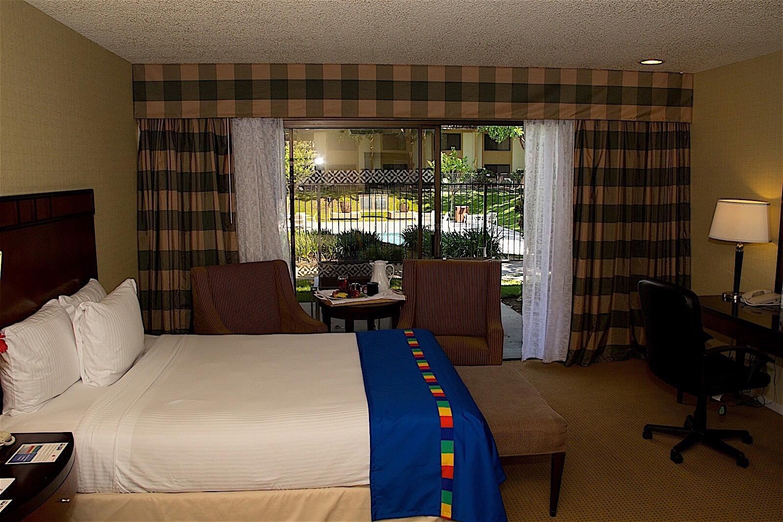 Hotel Fresno Standard King Room