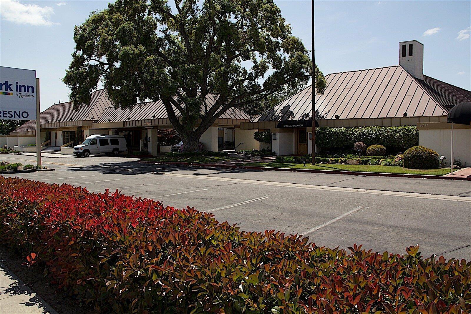 The Hotel Fresno Exterior
