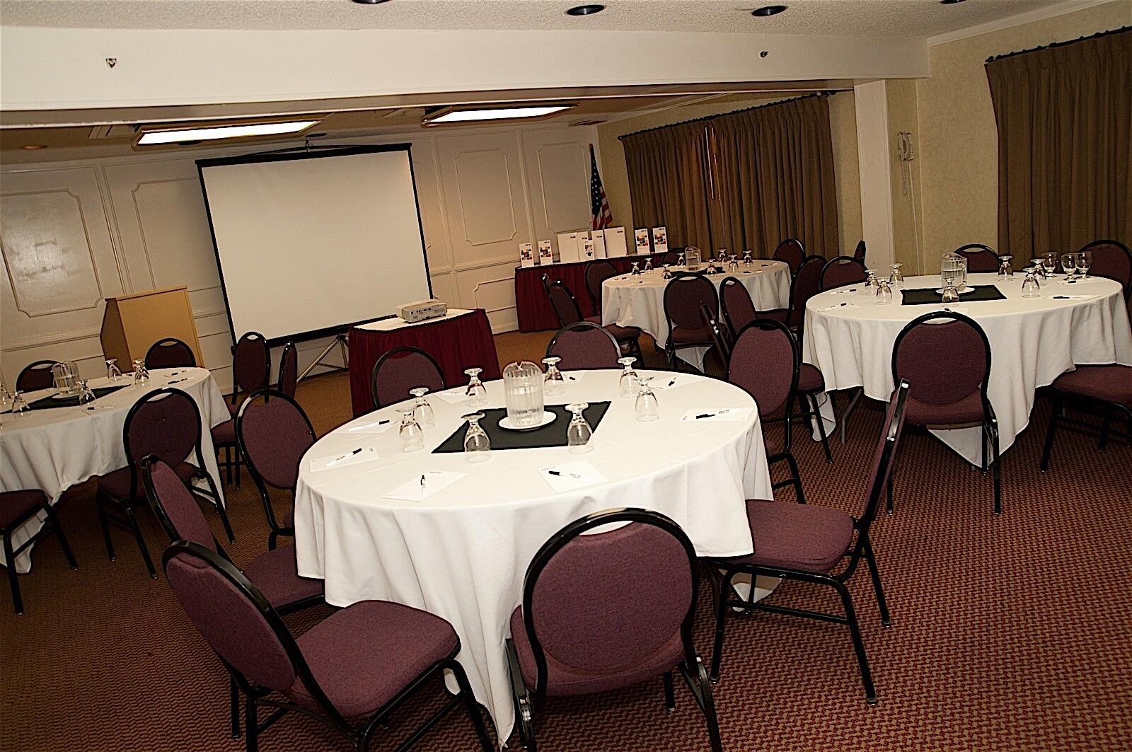 Hotel Fresno Meeting Room