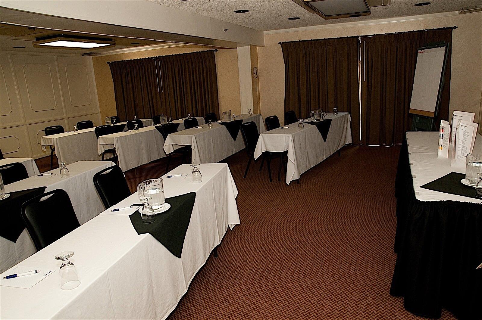 Banquet Setting at Hotel Fresno Ballroom