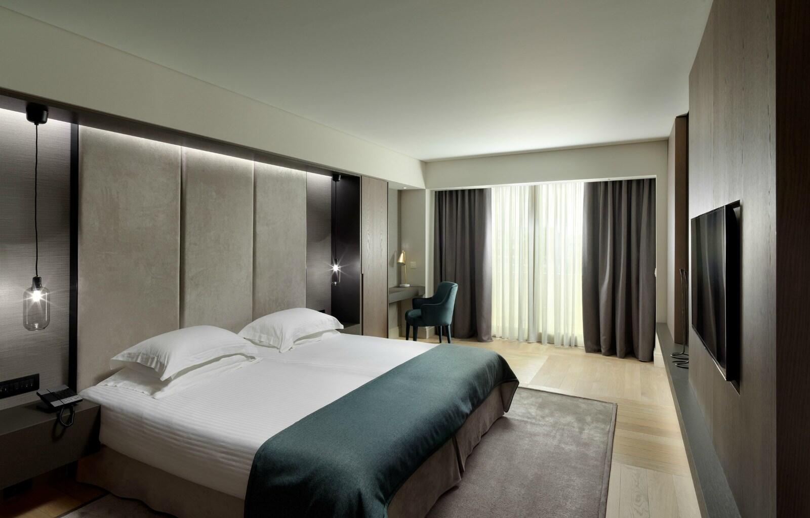 Big Room NJV Athens Plaza