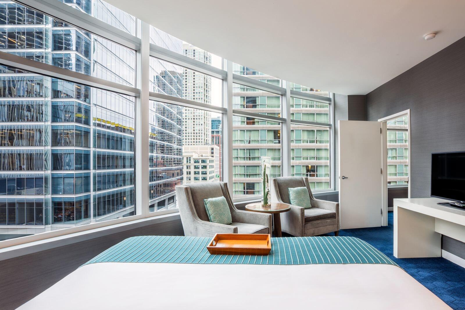 King Suite with Downtown Chicago Views