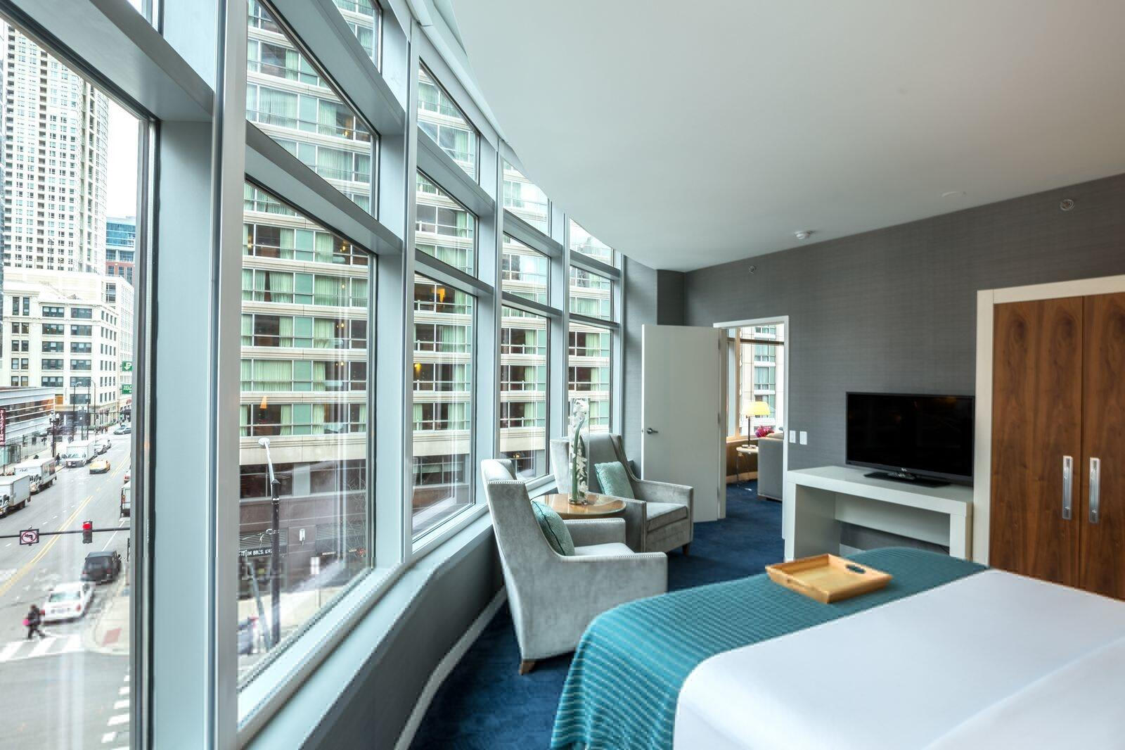 Kinzie King Suite with City View