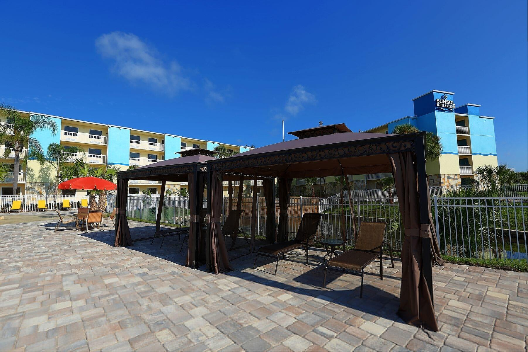 deck with cabana
