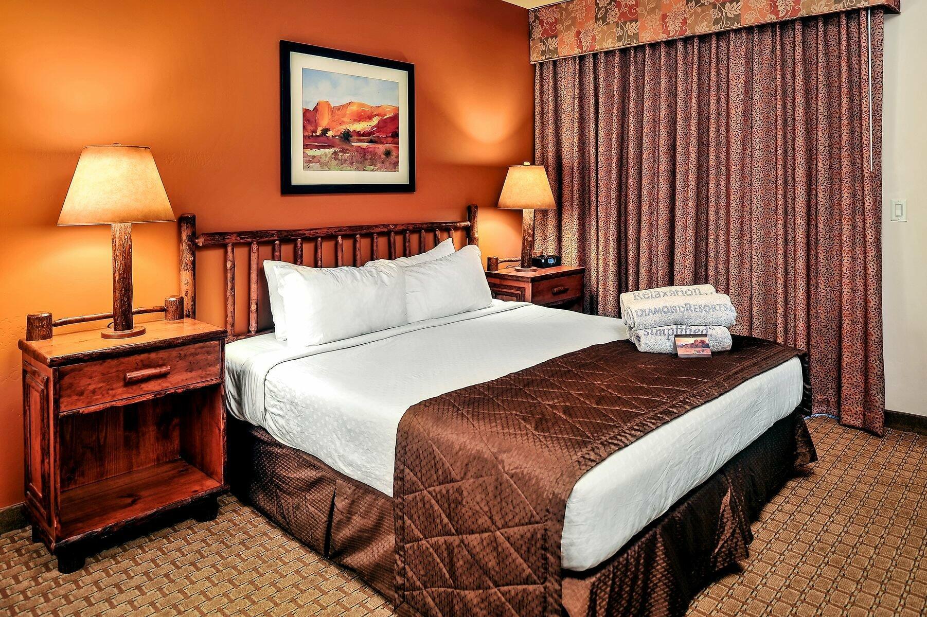 Bell Rock Inn Bedroom in Suites