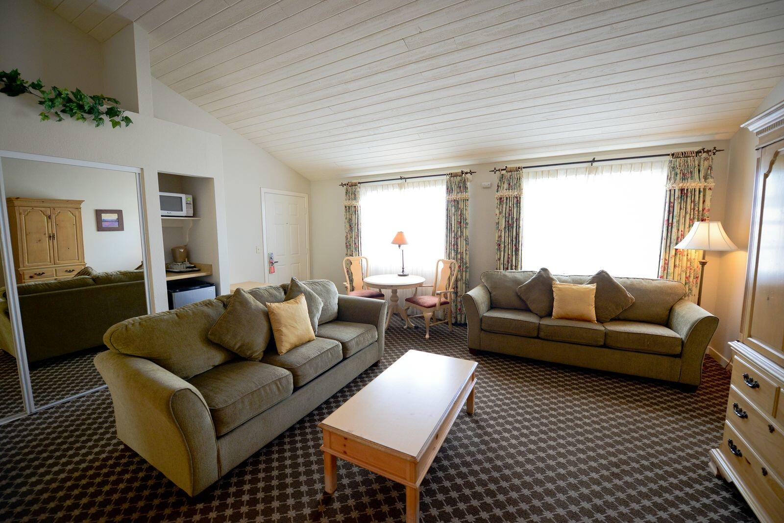 suite with seating area in cambria, ca