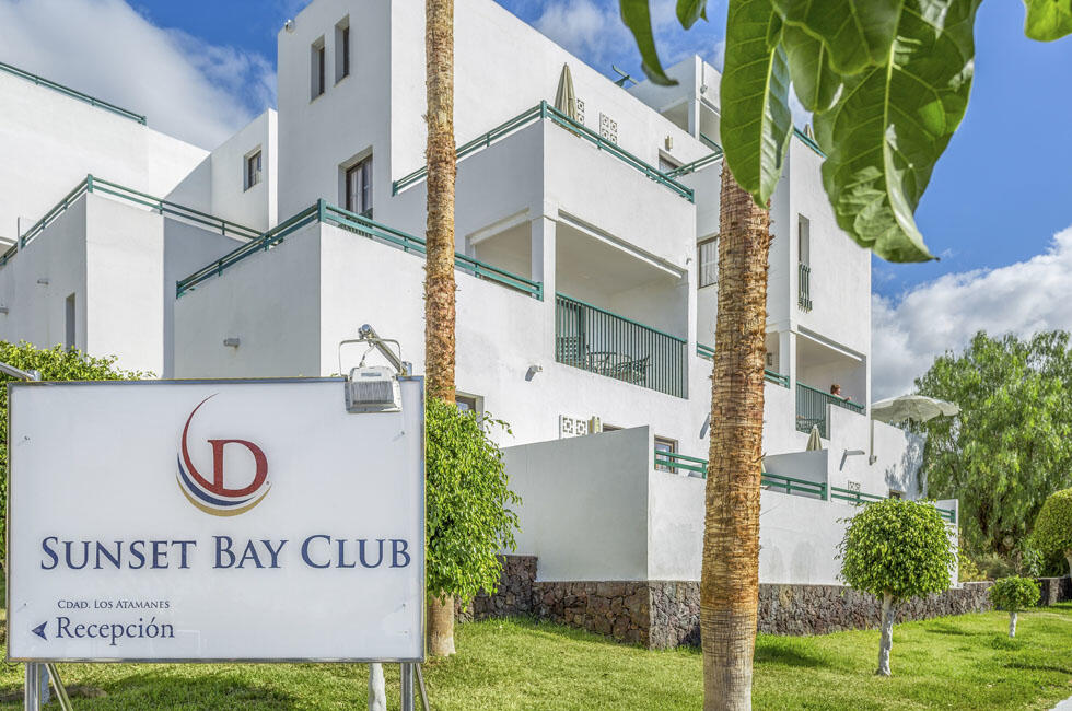 Sunset Bay Club Exterior Front Entrance Sign