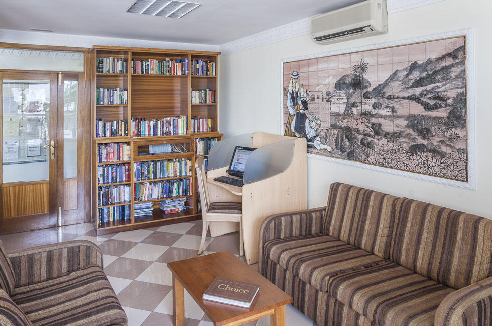 Sunset Bay Club Library