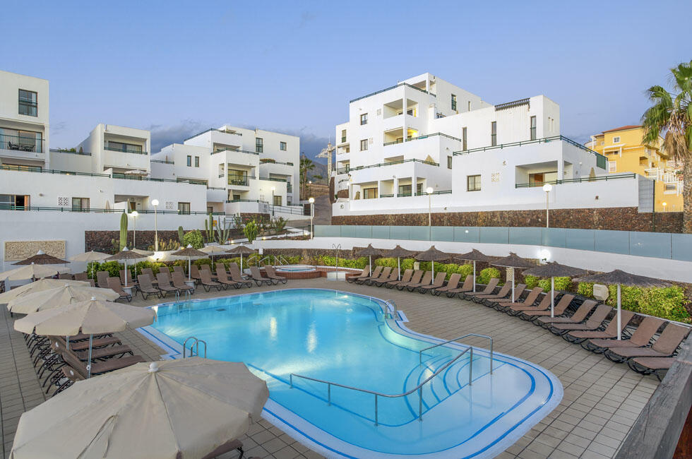 Sunset Bay Club Outdoor Top Swimming Pool