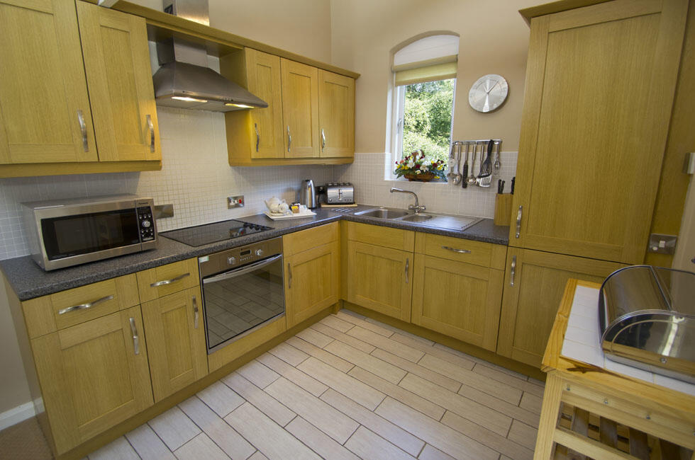 Woodford Bridge Country Club Two Bedroom Lodge Kitchen