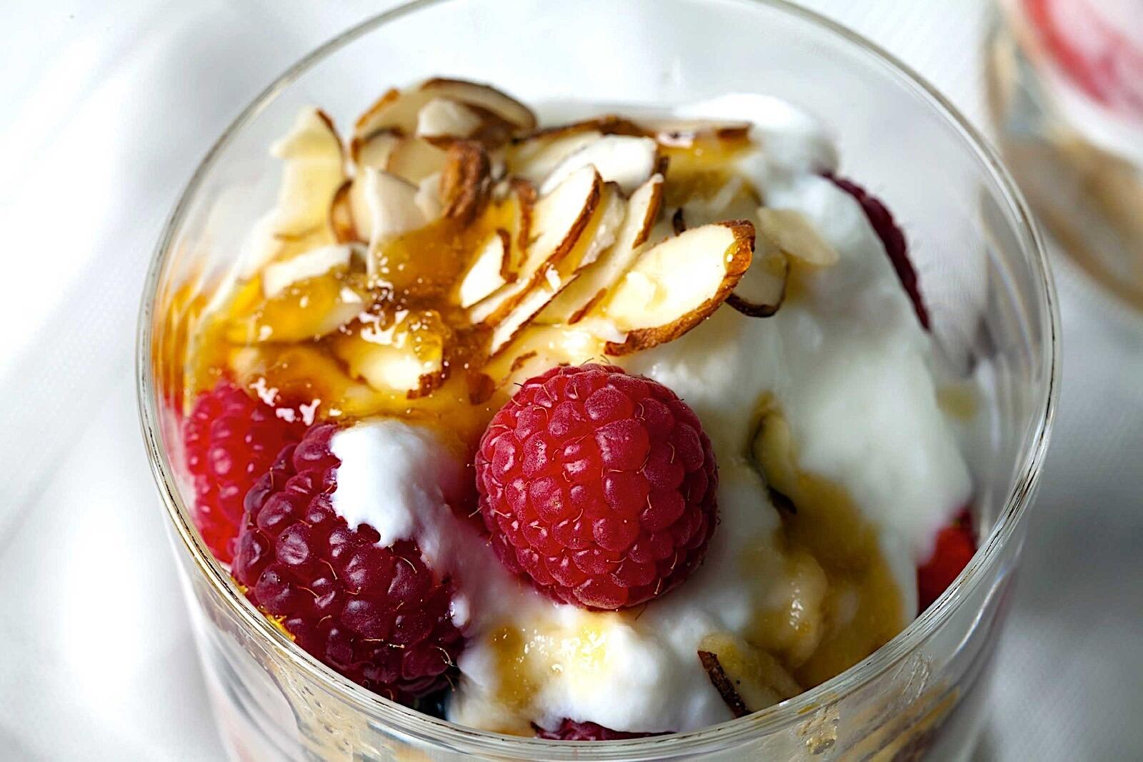Yogurt with fruit and almonds