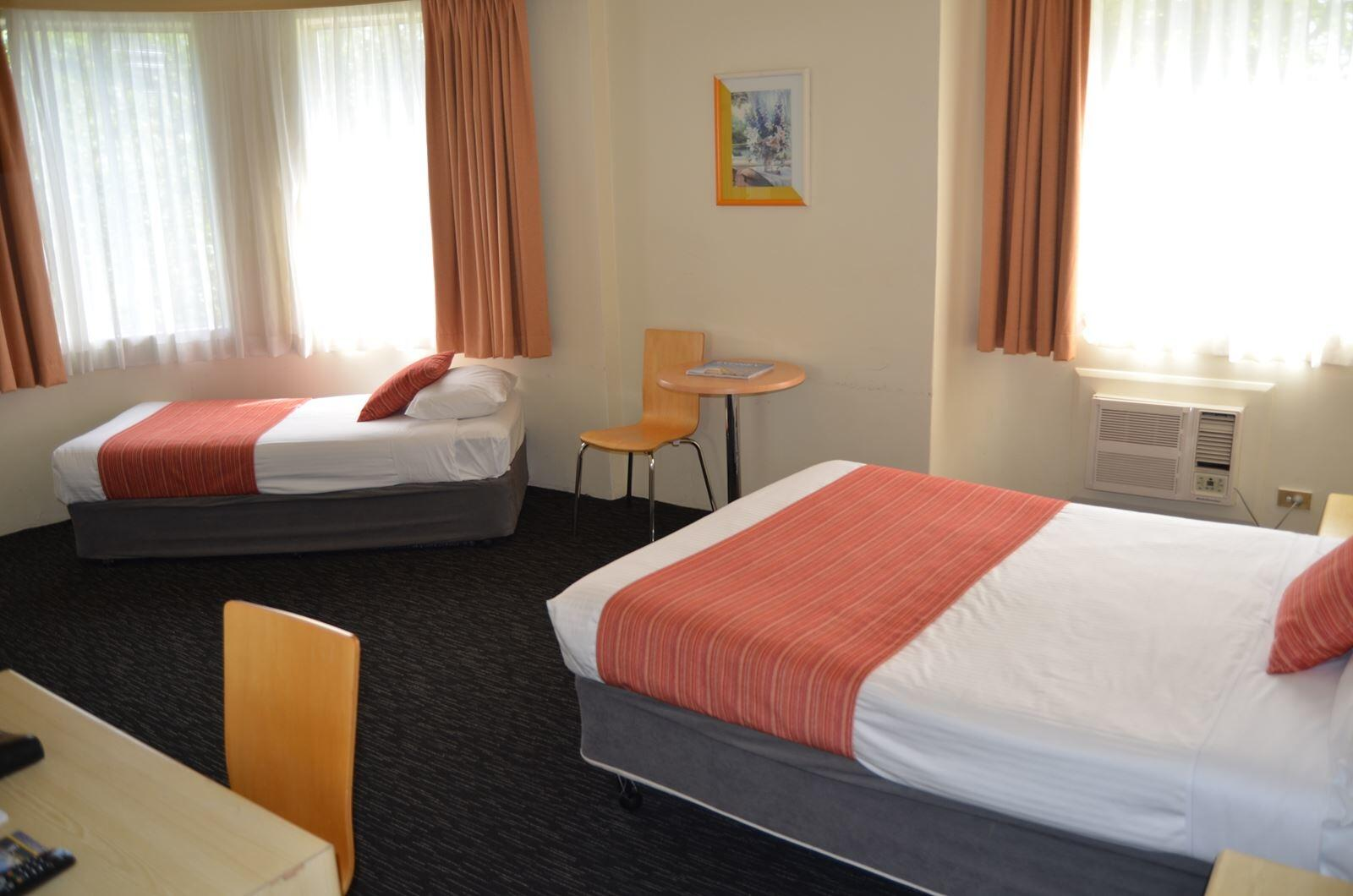 Single Room at DeVere Hotel Sydney