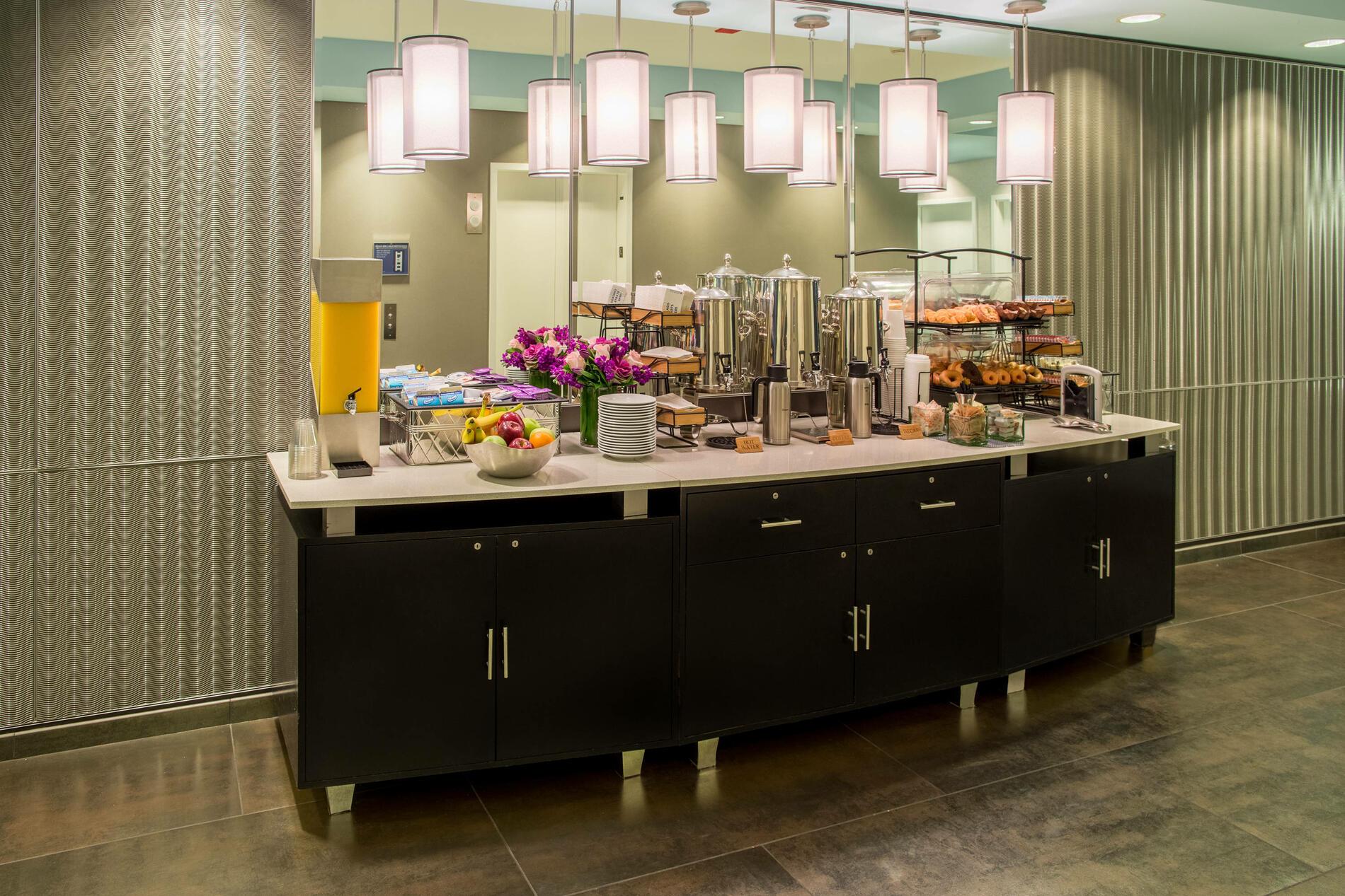 Kinzie Hotel Breakfast Buffet