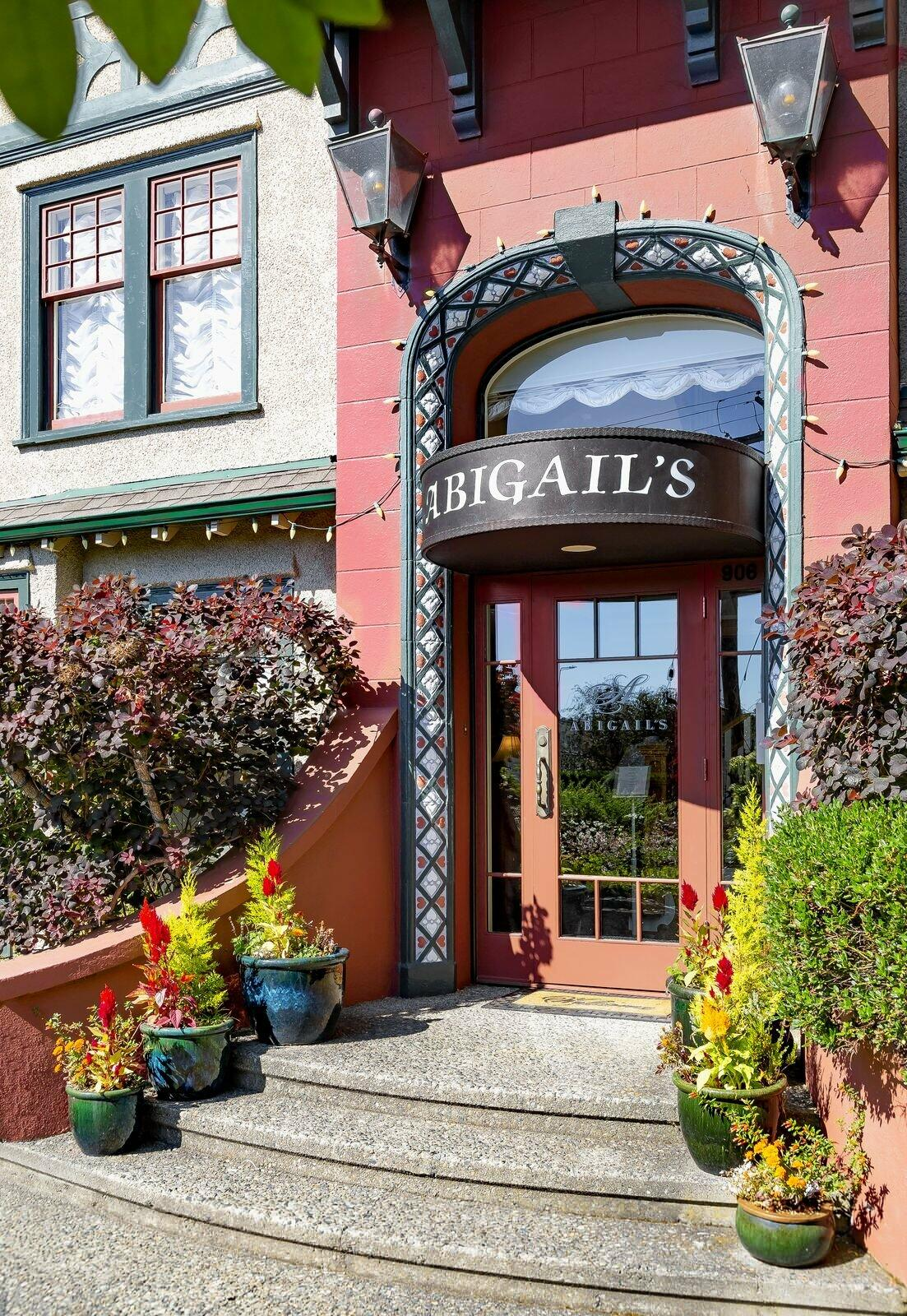 Steps to front entrance of Abigail's Hotel