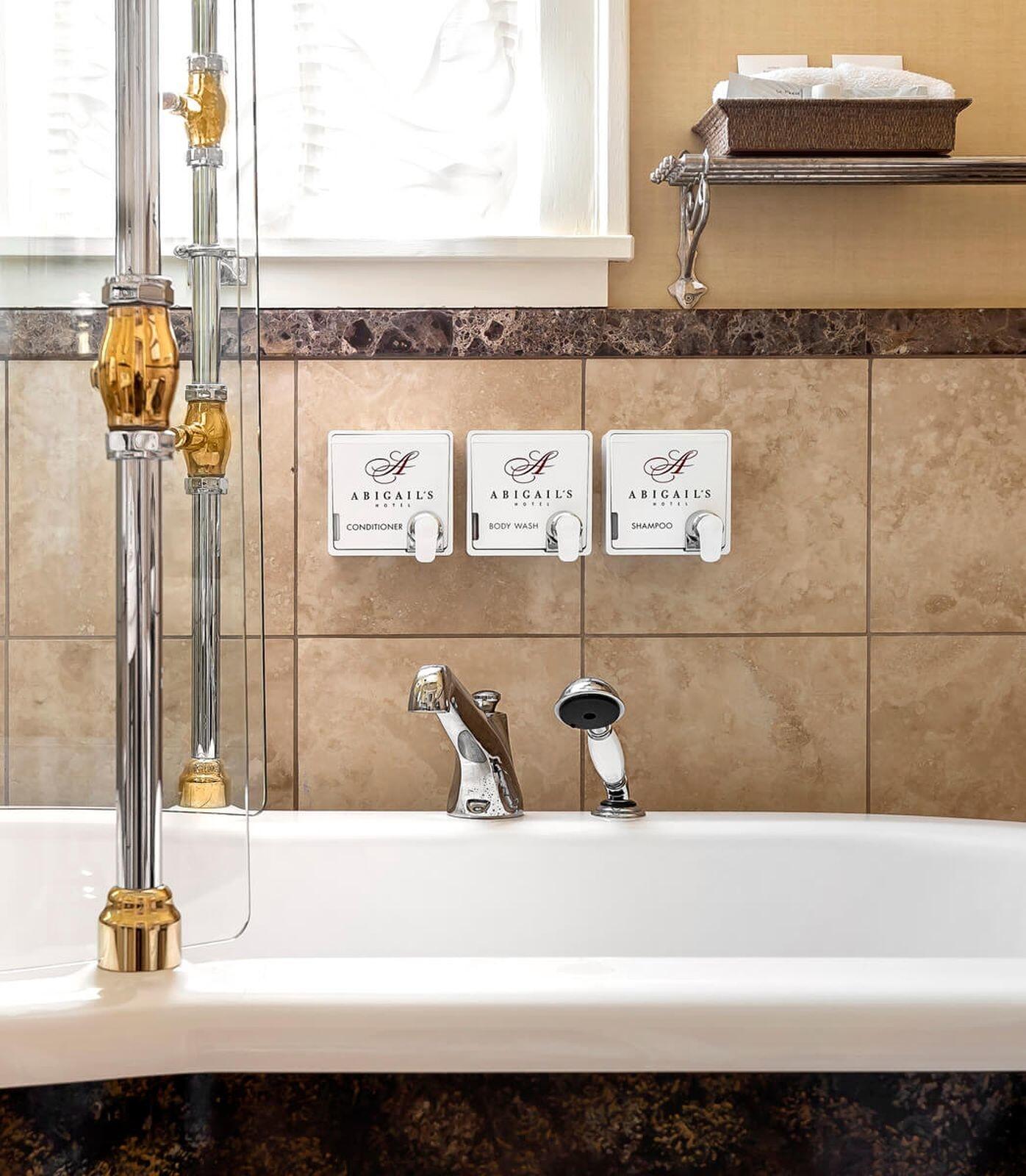 Detail photo of tub