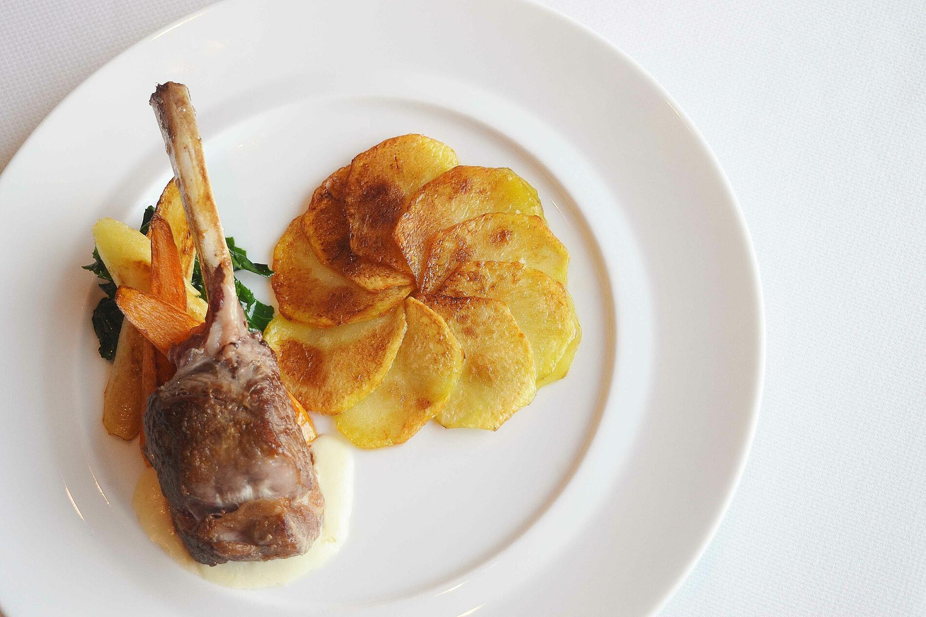 Lamb chop dish