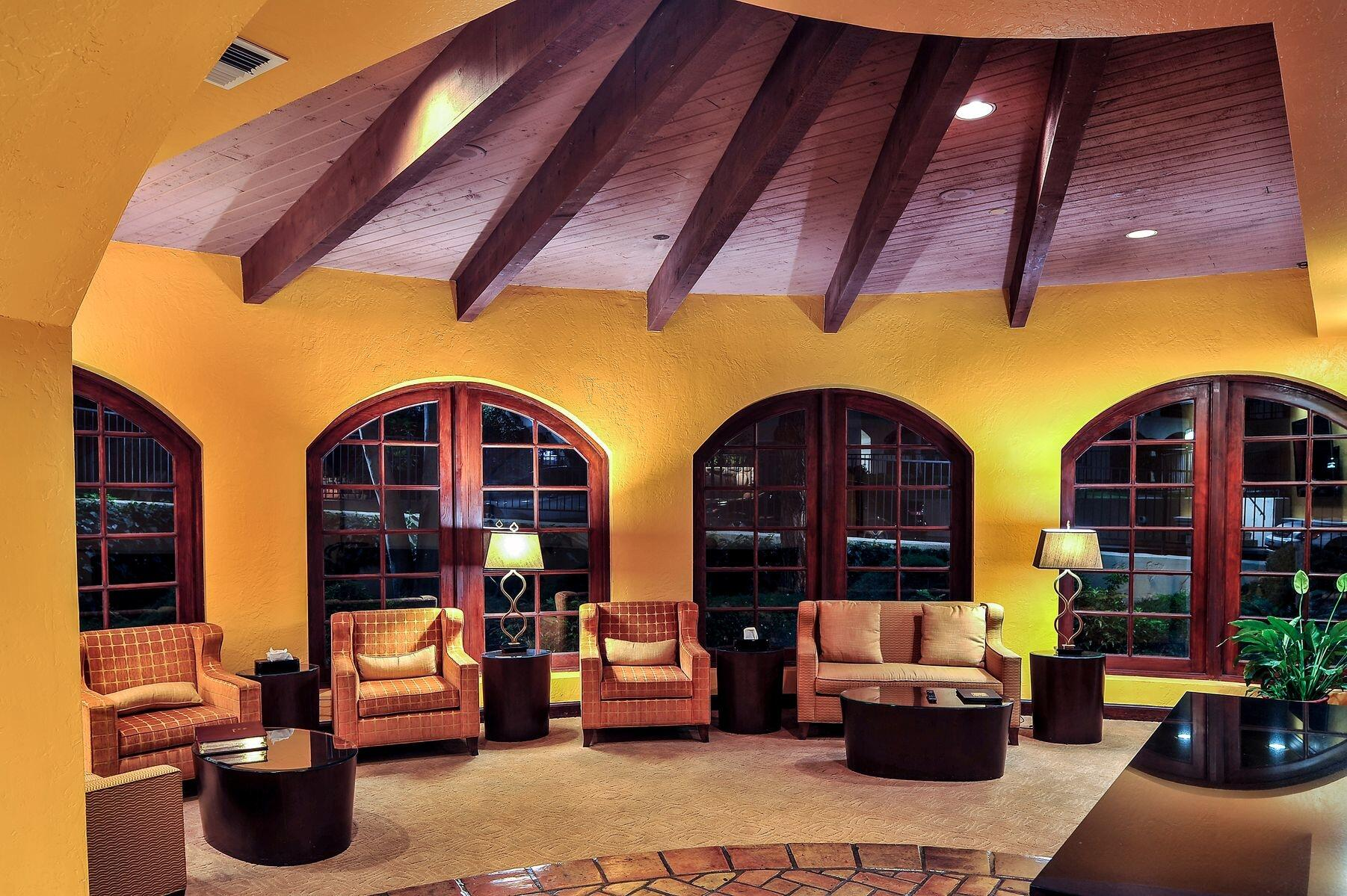 Los Abrigados Resort Lounge