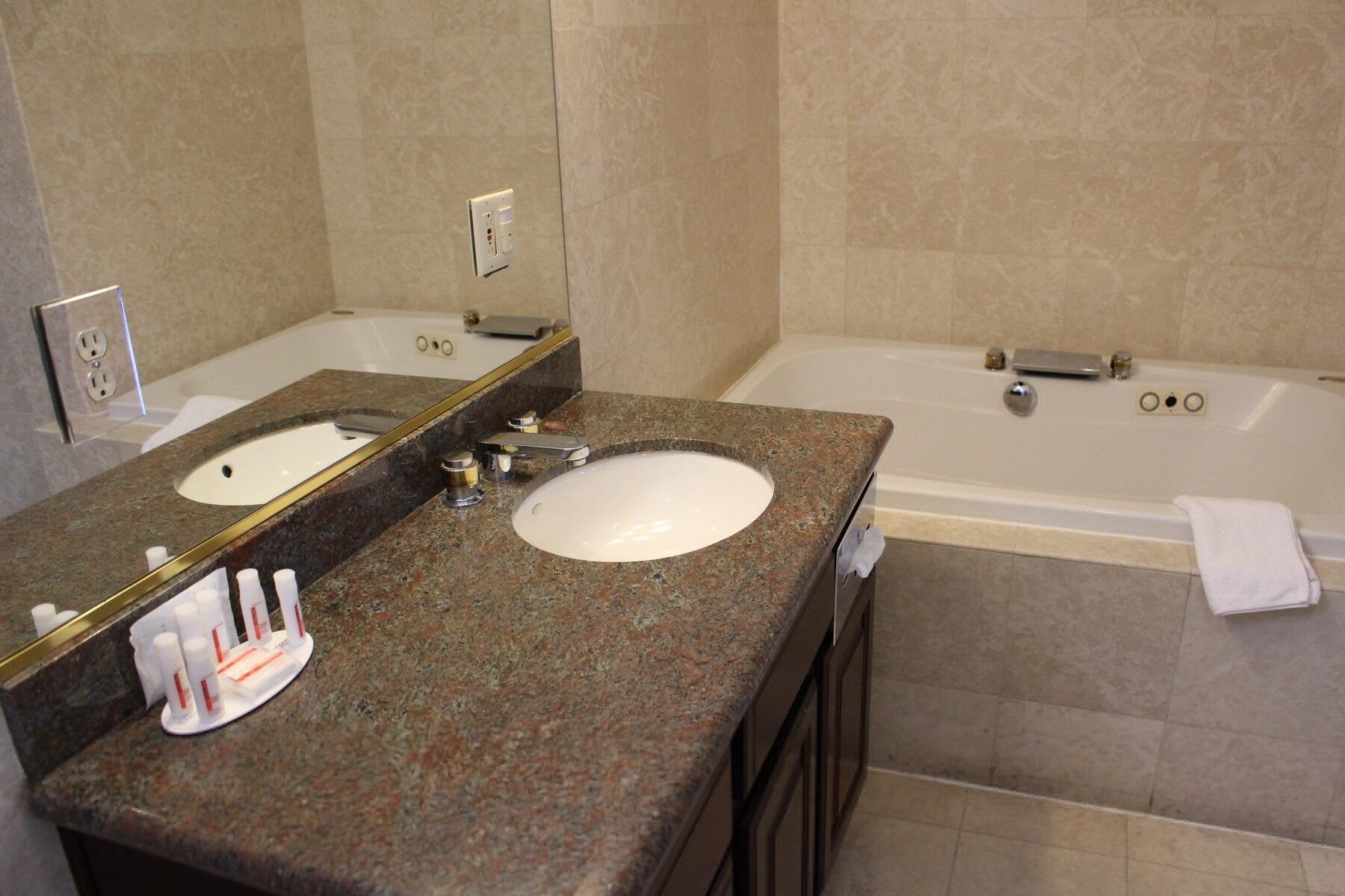 Large Bathtub & Vanity area