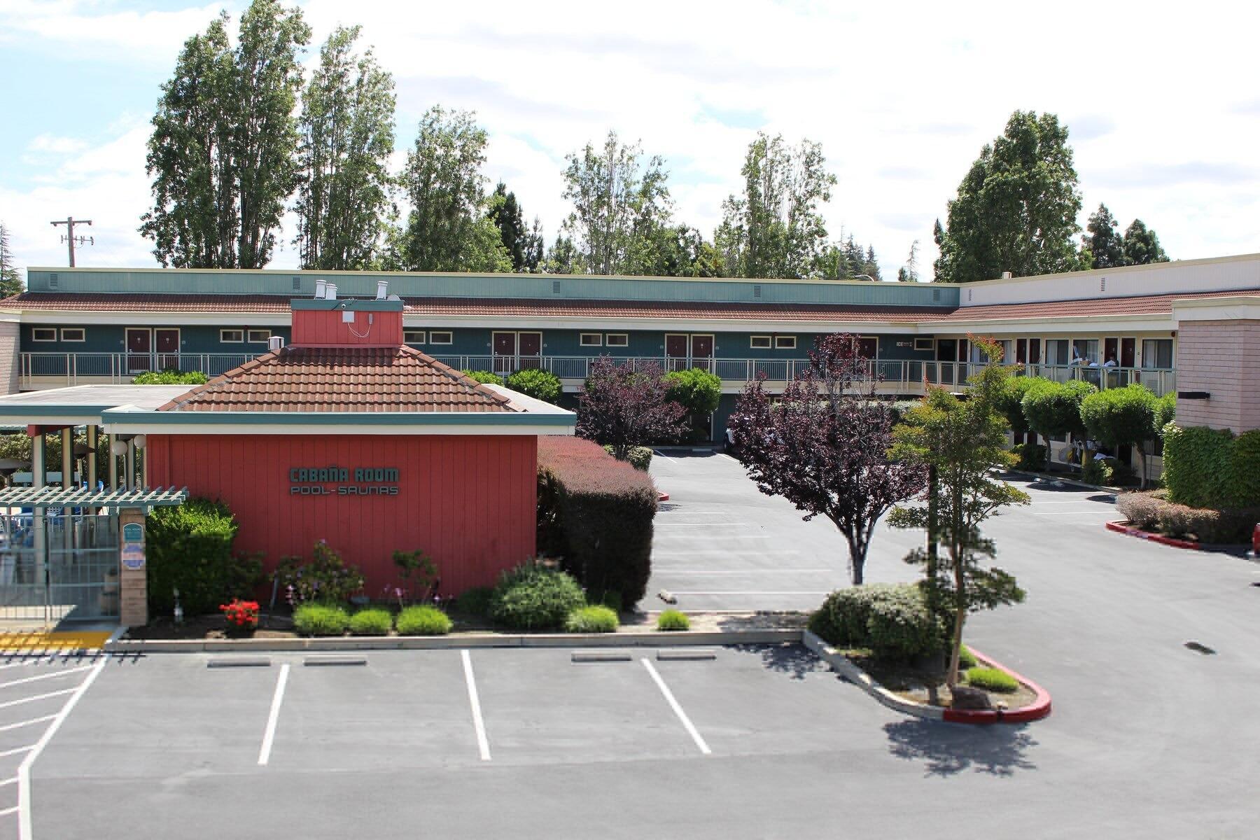 Grand View of Days Inn & Sundowner Sunnyvale