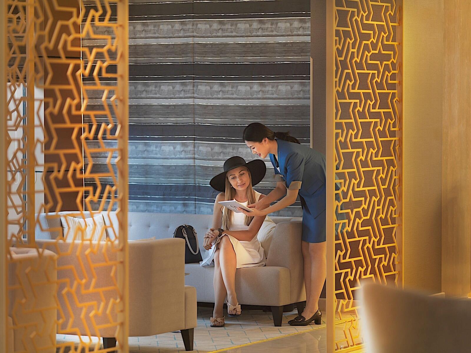 Guest Worker Lobby Two Seasons Hotel