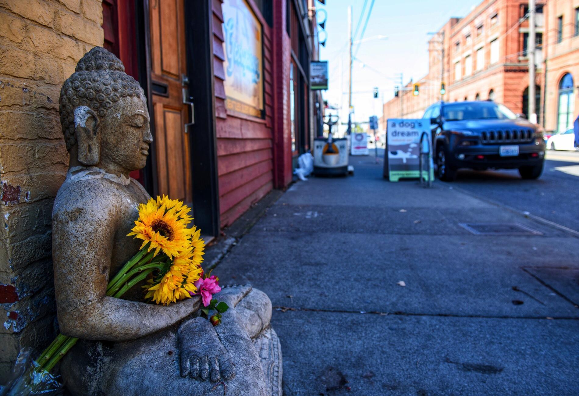 Georgetown neighborhood Buddha statue