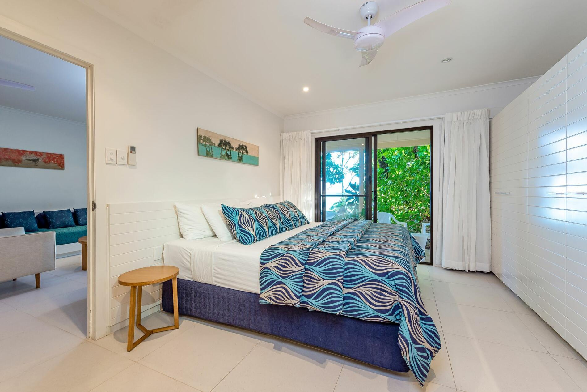 bedroom with a King bed at Heron Island Resort