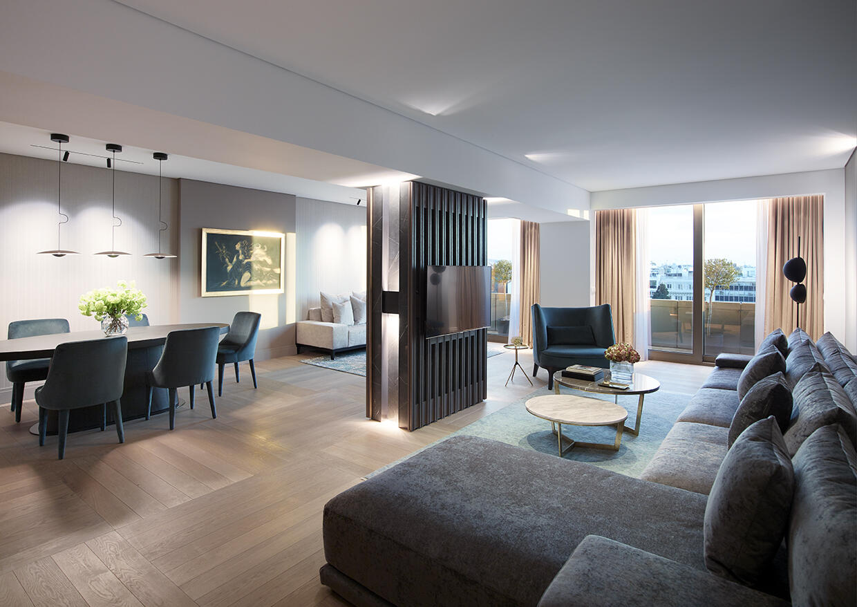 suite at NJV Athens Plaza hotel