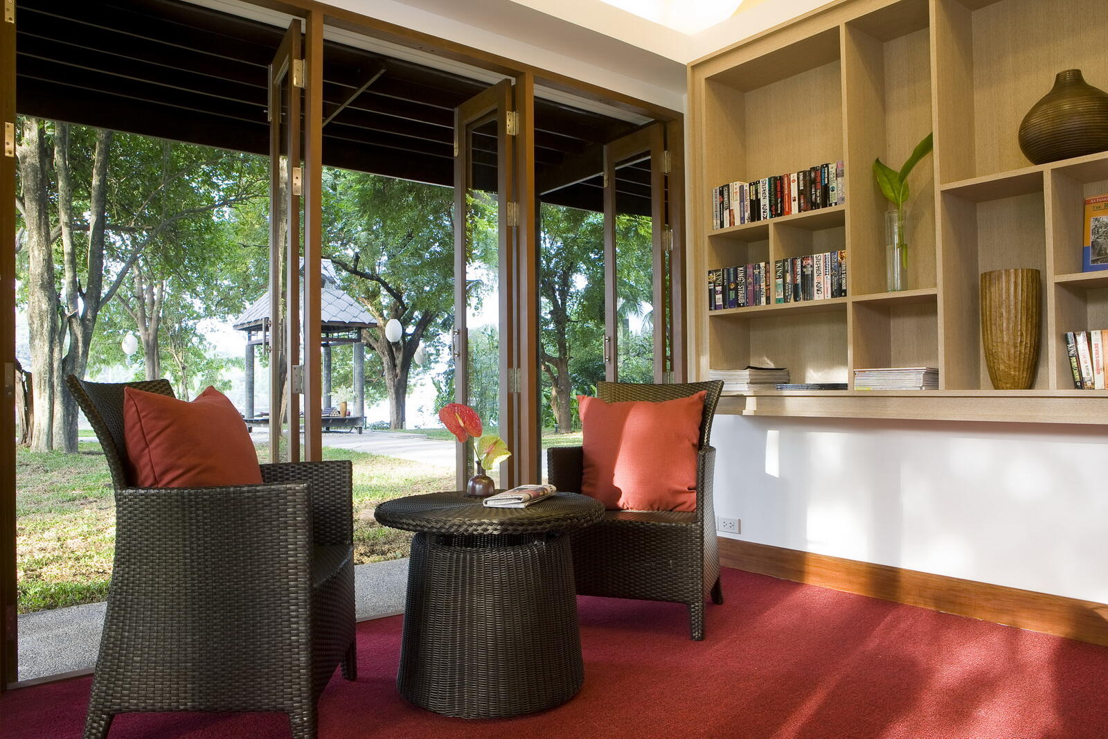 U Inchantree Kanchanaburi Library Lounge