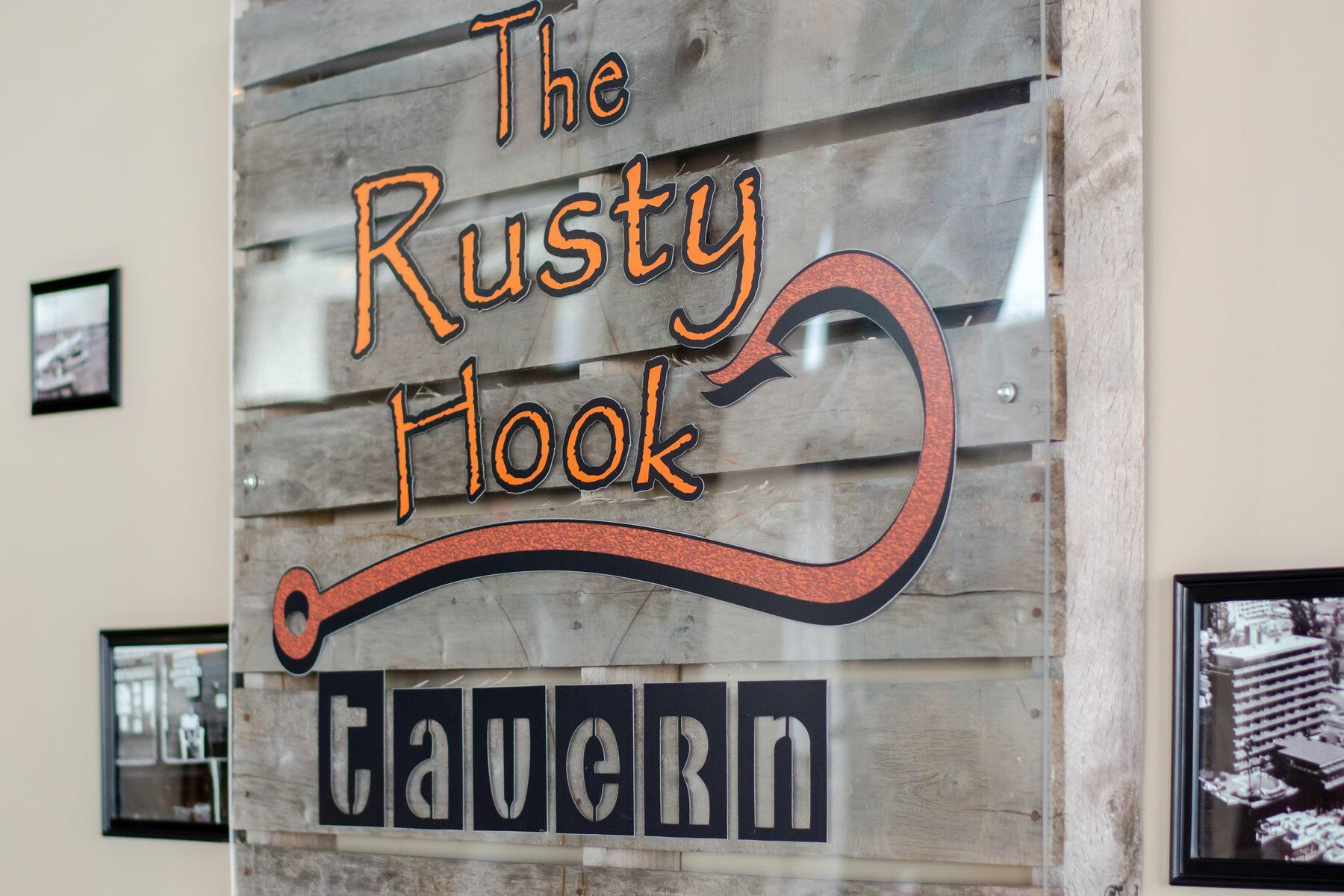 Rusty Hook Tavern Signage
